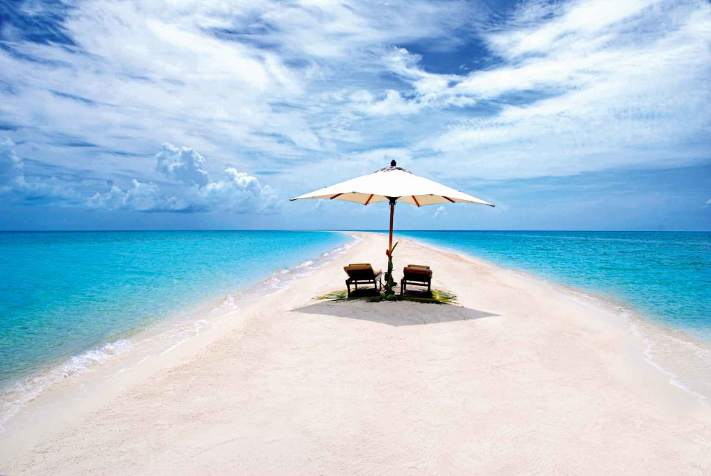 MUSHA CAY AND THE ISLANDS OF COPPERFIELD BAY