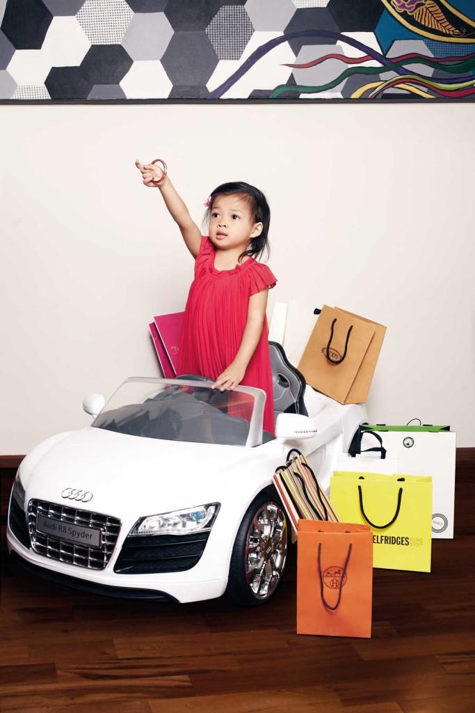 MB0514_Bazaar-Junior_A-Fashionable-Life_H-05-32717