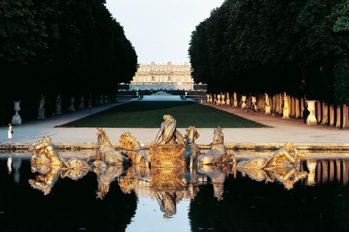 Versailles-palace-gardens