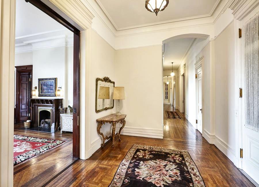 Inside Lauren Bacall S Lavish New York City Apartment
