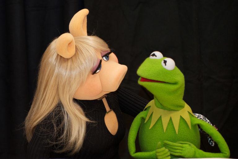 Kermit and Miss Piggy split - usatoday.com