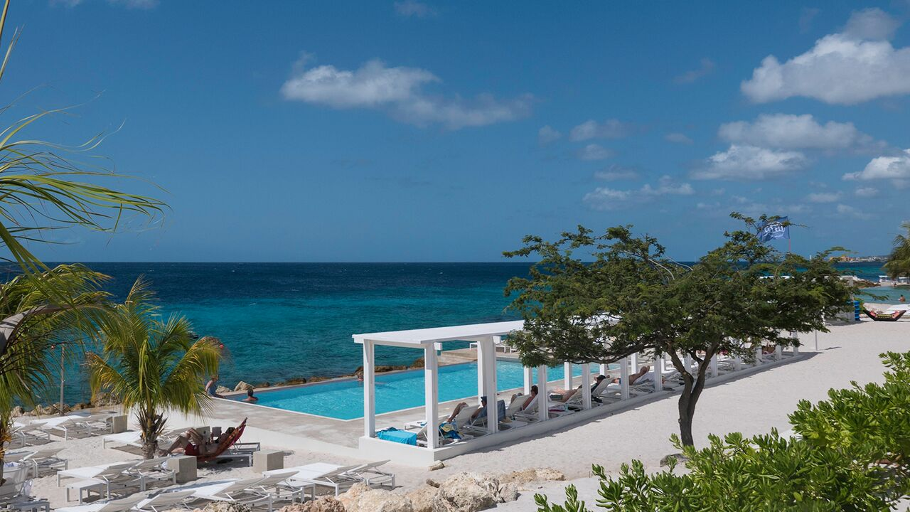 For more privacy, the resort offers a more exclusive and private recreational space.