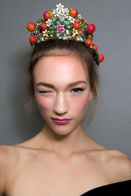 Fruit looped crown at Dolce & Gabbana Spring/Summer '16