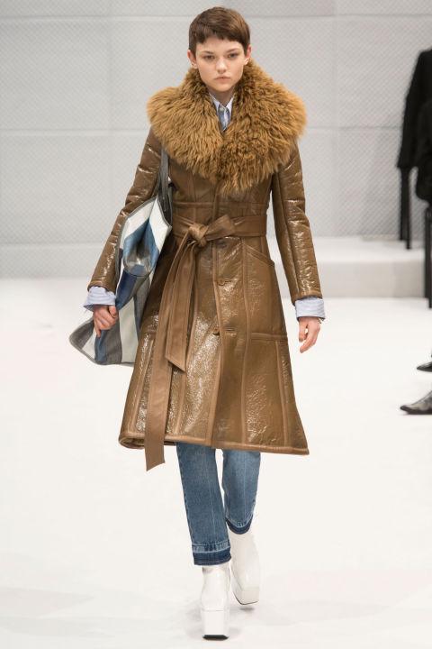 Paris Fashion Week #PFW Autumn/Winter 2016 Balenciaga ...