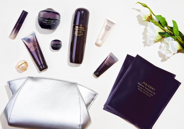 ShiseidoLuxuriousIndulgenceSet