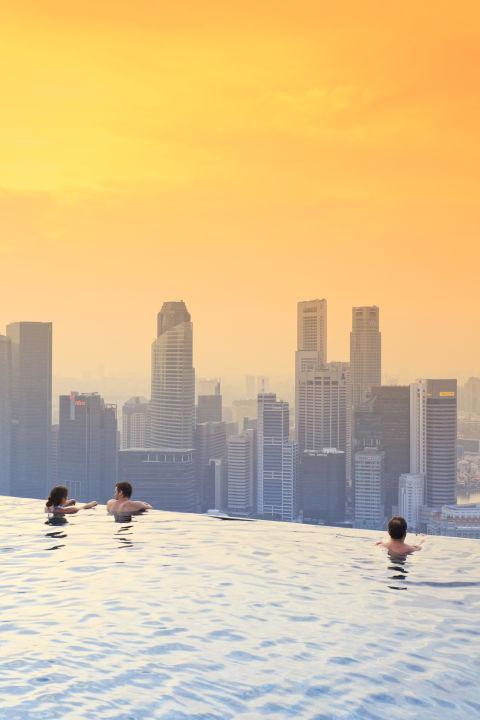 1464580482-1464206073-hotel-pools-marinasands-singapore-529504186