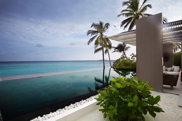 harpers-bazaar-malaysia-island-villa-noonu-atoll-maldives