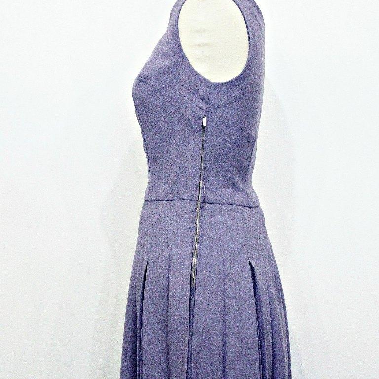 Zipper on a 1950s dress