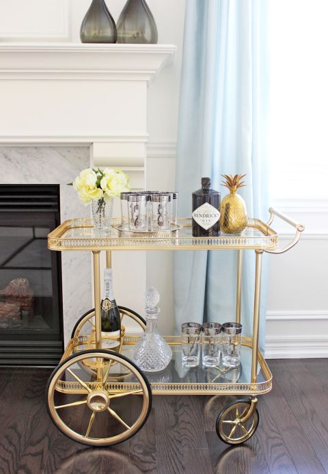 Michelle Shen of AM Dolce Vita blog achieved a high-end look by keeping her cart clear of clutter and showing off only the prettiest bottles and glasses, not to mention that adorable gold pineapple. Photography: Michelle Shen