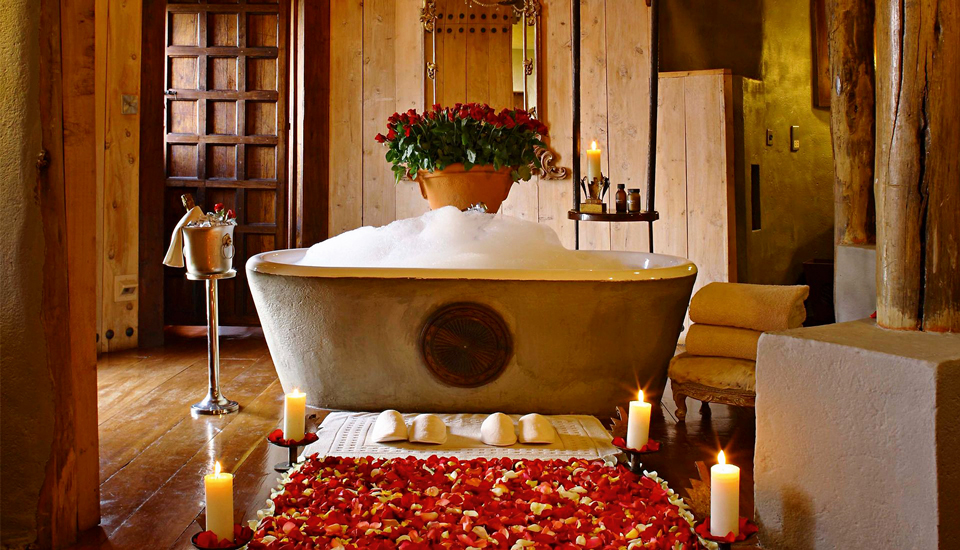 Share a sexy bath with your lover in your suite