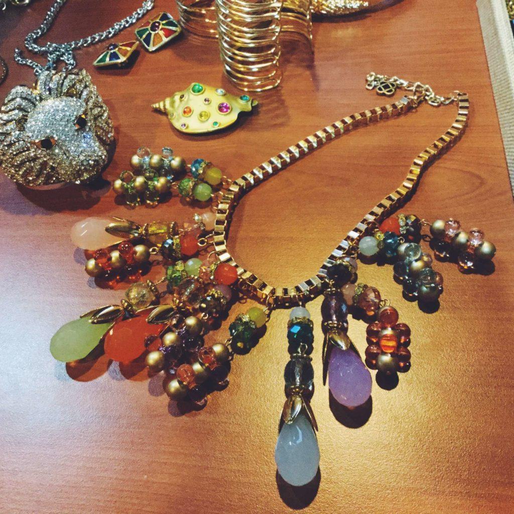 Oscar De La Renta box chain pastel drop collar.
