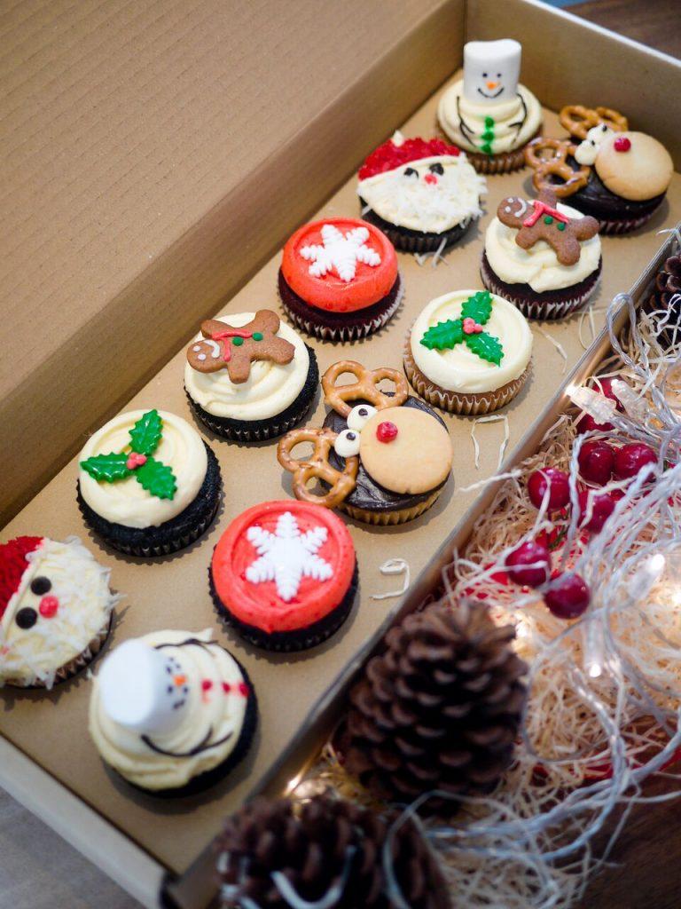 huckleberry-christmas-cupcakes