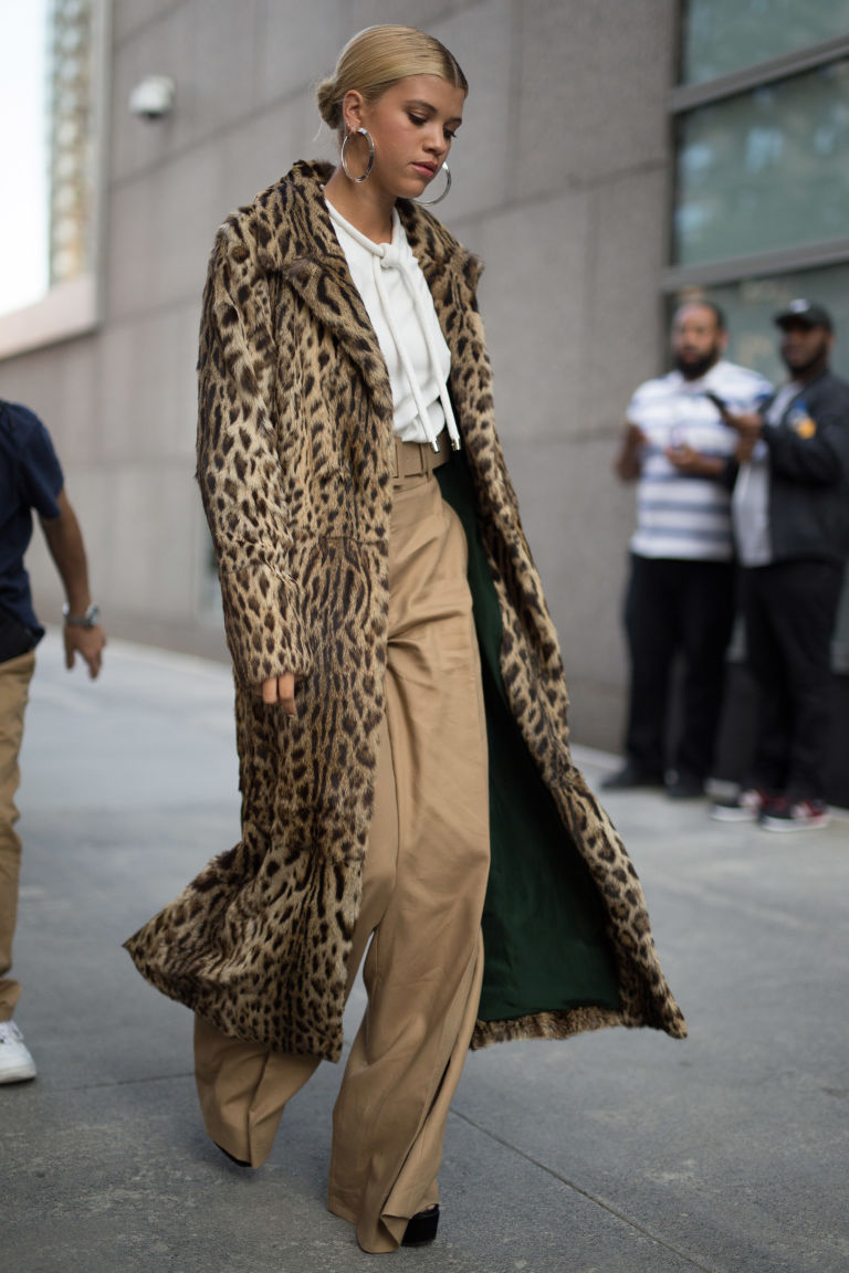 25 Of The Best Street Style Looks From New York Fashion Week Page 3 Of 25 Harper 39 S Bazaar