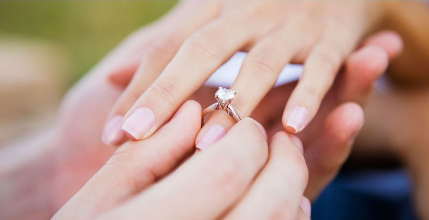 This Engagement Ring Tradition is Completely Outdated, Says Jeweller ...