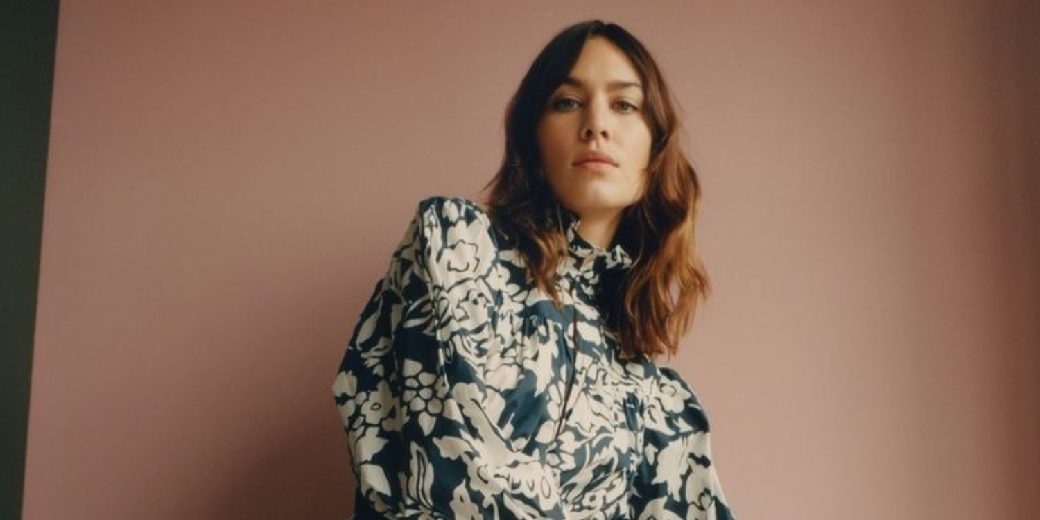 Alexa Chung to Put on Her First London Fashion Week Show