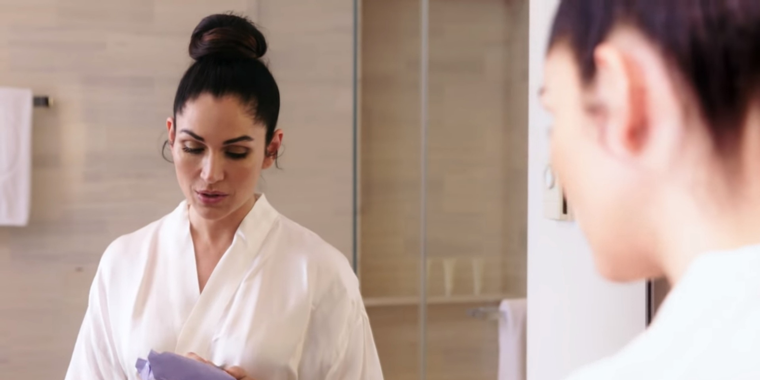 Lela Loren Walks Us Through Her Nighttime Skin Routine