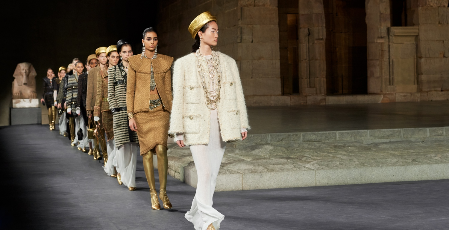 Ancient Egypt Meets Manhattan for Chanel's 2018/2019 Métiers d'art Collection