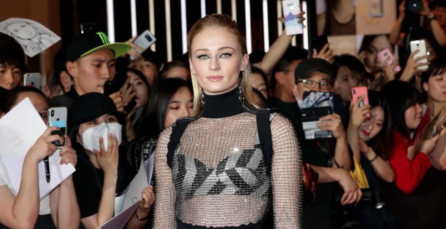 Sophie Turner Gets Futuristic In Louis Vuitton For X-Men Premiere