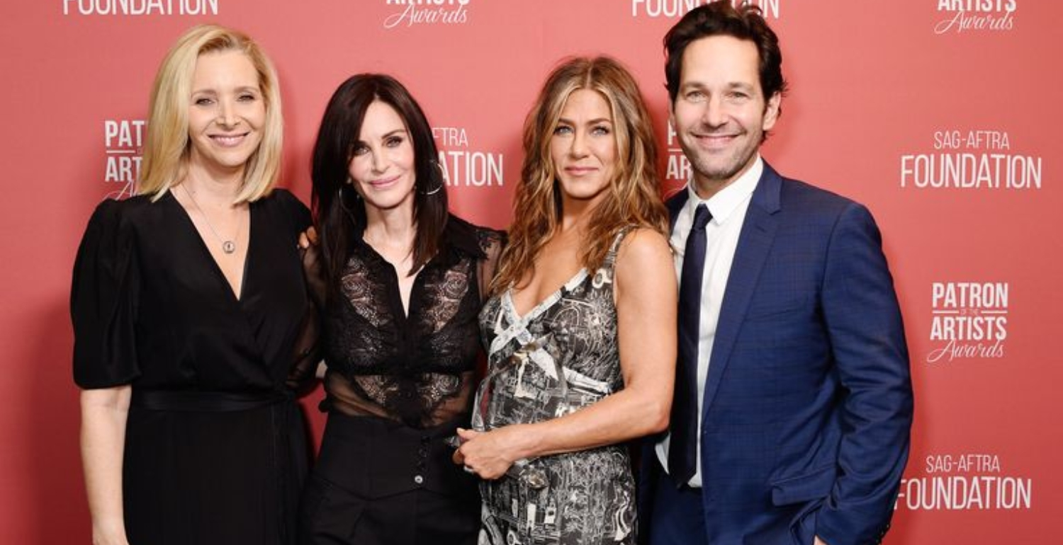 Jennifer Aniston Just Reunited with Courteney Cox, Lisa Kudrow, and Paul Rudd