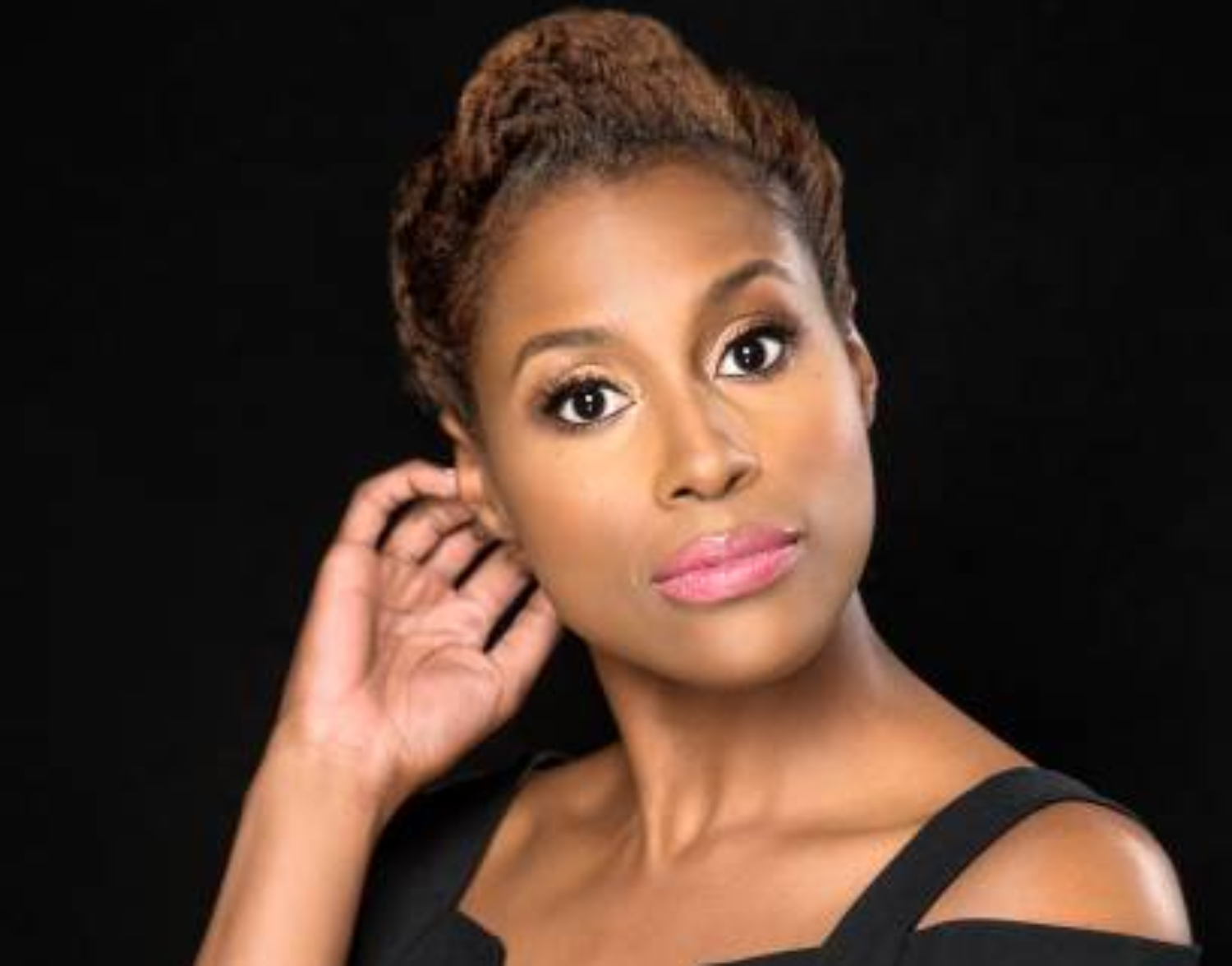 Issa Rae Calls Out the All-Male Oscars Directing Category While Announcing the Nominations